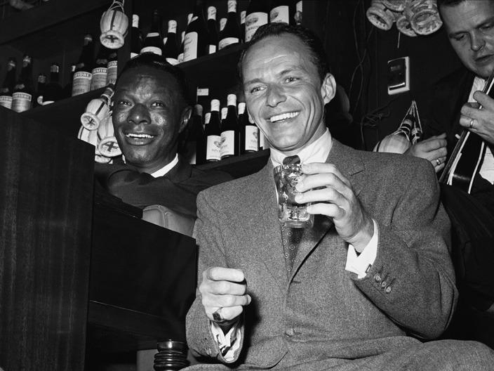 Frank Sinatra e Nat King Cole ganham Tributos em Dezembro